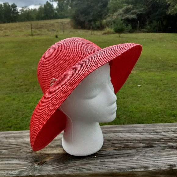 arlin Accessories - Arlin Vintage red straw bucket hat with pin EUC ec06d0f3c013
